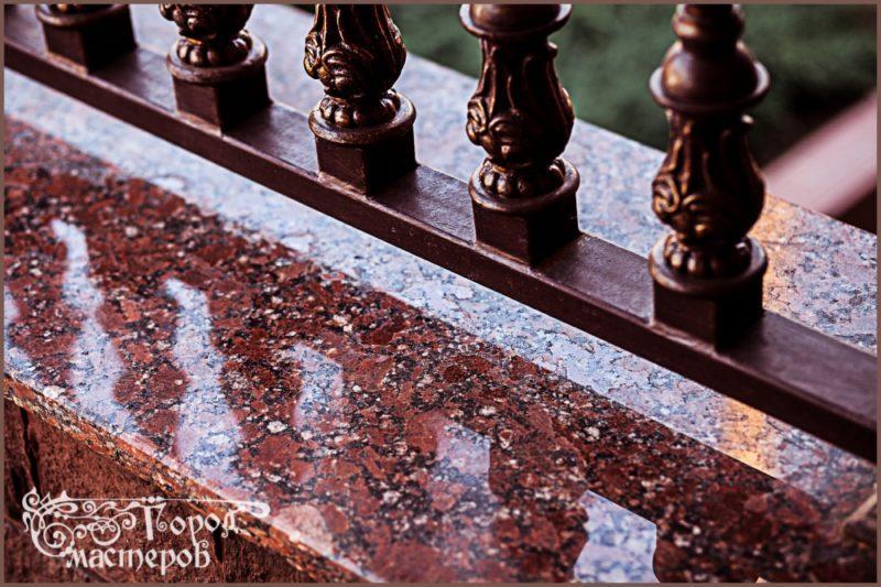 Облицовка фасада гранитом (Капустинский, месторождение Украина)